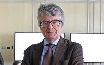 Direttore del dipartimento di ingegneria elettrica e delle tecnologie dell'informazione e Direttore della Apple Developer Academy.